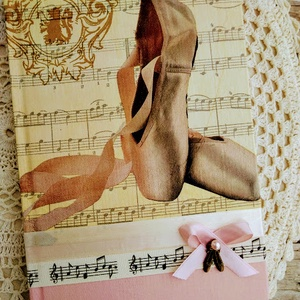 Príma balerina emlékkönyv, Könyv, Papír írószer, Otthon & Lakás, Decoupage, transzfer és szalvétatechnika, Könyvkötés, Dekupázs technikával készült notesz, emlékkönyv, napló.\nMérete: 20.5 x 14,6 (A5)\nA kemény fedelű a b..., Meska