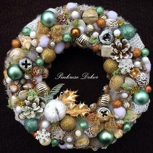 TÜRKIZ-ARANY karácsonyi kopogtató havas almával (27 cm), Otthon & lakás, Dekoráció, Ünnepi dekoráció, Karácsony, Lakberendezés, Ajtódísz, kopogtató, Virágkötés, Mindenmás, Ünnepváró kopogtató ARANY-TÜRKIZ színvilágban műszőrme szegéllyel havas almával, csillogó arany levé..., Meska