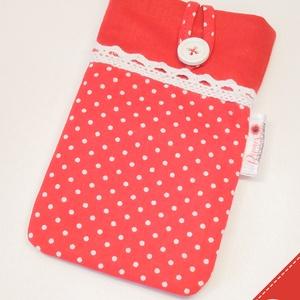 Pöttyös bélelt, textil telefontok, NoWaste, Táska, Divat & Szépség, Táska, Pénztárca, tok, tárca, Mobiltok, Varrás, Ez a piros pöttyös, csipkés telefontok pamut vászonból készült, vékony közbéléssel. Gombbal záródó, ..., Meska