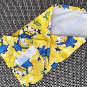 Mesefigurás gyermek textil szalvéta, élelmiszerbiztos PUL anyaggal, NoWaste, Textilek, Textil tároló, Gyerek & játék, Varrás, Mosható, újrahasználható textil szalvéta gyermekeknek. Tépőzárral kényelmesen állítható a szendvics ..., Meska