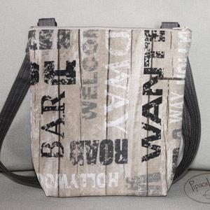 Feliratos, deszkás kis oldaltáska, Táska, Divat & Szépség, Táska, Válltáska, oldaltáska, Erős vászonból készült szaladgálós kis oldaltáska. A táska hátsó oldala ugyanabból az anyagból készü..., Meska