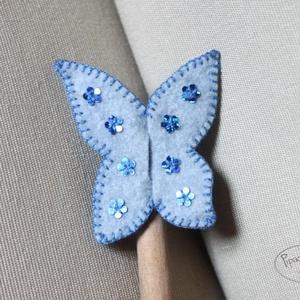 Pillangó ujjbáb, kék, Gyerek & játék, Gyerekszoba, Játék, Báb, Filcből készült pillangó ujjbáb. Játékhoz, meséléshez ideális. Kis méretéből adódóan bárhová magunkk..., Meska