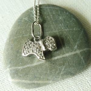 ezüst kutya medál  , Medál, Nyaklánc, Ékszer, Ékszerkészítés, Ötvös, 925-ös finomságú ezüstből készült cirkónia köves kutya medál. szélessége 12mm. ródiumozott felületű,..., Meska
