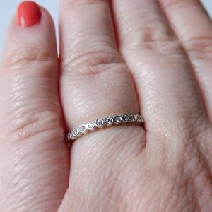 ezüst sorköves gyűrű, Gyűrű, Ékszer, Többköves gyűrű, Ékszerkészítés, Ötvös, 925-ös finomságú ezüstből készült 12db 1,25mm-es cirkóniával.\nmérete 54-es. \n, Meska
