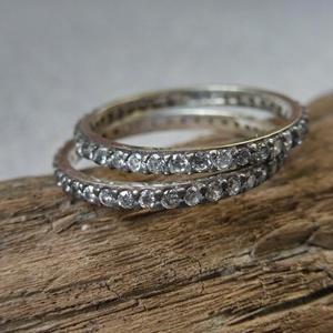 2 db ezüst körbe köves gyűrű, Esküvő, Ékszer, Karikagyűrű, Ékszerkészítés, Ötvös, 925-ös finomságú ezüstből készült 2 db gyűrű 2mm széles, teljesen körben cirkónia kövek vannak fogla..., Meska
