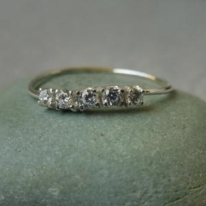 ezüst köves hullámos gyűrű, Ékszer, Gyűrű, Többköves gyűrű, Ékszerkészítés, Ötvös, Meska