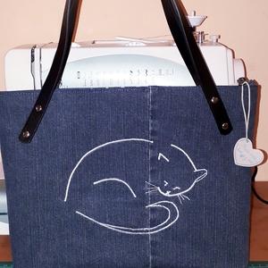 Cicás,#macska mintával készült táska, Baba-mama-gyerek, Ruha, divat, cipő, Táska, Újrahasznosított alapanyagból készült termékek, Varrás, A cicás neszikhez készítettem ezt a táskát, Bélelt,a bélésén két zseb van,az egyik osztott zseb. A ..., Meska