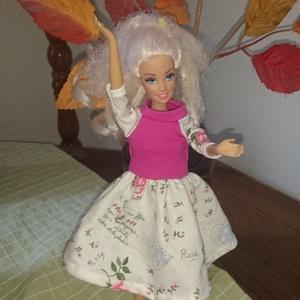 """Barbie babaruha \""""Dóri\"""", Gyerek & játék, Játék, Baba játék, Baba, babaház, Varrás, Egyedi, varrott Barbie nyári ruha, rózsaszín felsőrész, mintás szoknyával, pamut anyagból. Ideális t..., Meska"""