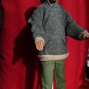 Ken babaruha, Játék & Gyerek, Baba & babaház, Babaruha, babakellék, Varrás, Eladó a képen látható babruha Ken (fiu Barbie) öltöztetéséhez. Kapucnis felső nadrággal együtt...., Meska