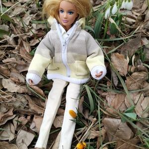 Barbie babaruha tavaszi kabát, Gyerek & játék, Baba-mama kellék, Játék, Baba játék, Varrás, Újra itt a tavasz! :-)\n\nMegjelent az új tavaszi kollekció, aminek része egy színátmenetes tavaszi ki..., Meska