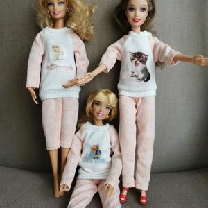 Barbie babaruha, pizsama, Játék & Gyerek, Baba & babaház, Babaruha, babakellék, Varrás, Barbie babaruha, lány pizsama választható matricás felsővel., Meska