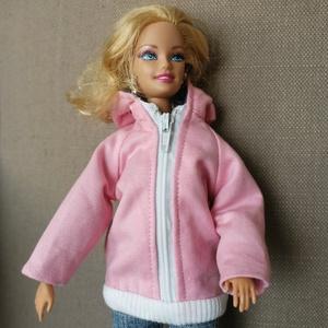 Barbie kabát, Játék & Gyerek, Baba & babaház, Babaruha, babakellék, Varrás, Barbie számára készült ez a csajos cipzáras bélelt dzseki. Farmerrel nagyon jól mutat, ami külön vás..., Meska