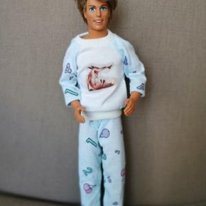 Ken babára pizsama, Játék & Gyerek, Baba & babaház, Babaruha, babakellék, Varrás, Ken számára készültek ezek a pizsamák az éjszakai alváshoz vagy a délutáni szunyókáláshoz. :-) Rende..., Meska