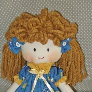 Baba- kék virágos ruhácskában, rongybaba,kézműves baba, játékbaba, Baba, Baba & babaház, Játék & Gyerek, Baba-és bábkészítés, Varrás, 37 cm-es baba kislány. A teste a ruhája és a bugyogója is pamutvászonból készült,  A kék ruhát a vir..., Meska