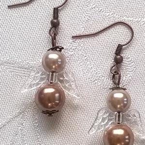 Angyalkák, Ékszer, Fülbevaló, Ékszerkészítés, Ezekből a gyönyörű szép színű gyöngyökből angyalkákat készítettem.  Rózsaszín és világos barna. A sz..., Meska