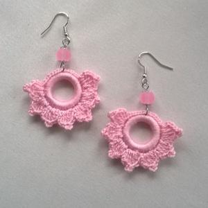 Rózsaszín horgolt fülbevaló, Ékszer, Fülbevaló, Lógós kerek fülbevaló, Ékszerkészítés, Horgolás, Nagyon szép rózsaszín Alze Miss fonalból horgoltam ezt a fülbevalót. Alapja műanyag karika. Rózsaszí..., Meska