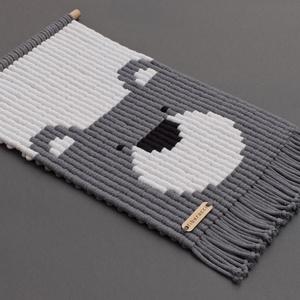 MACI - makramé fali szőnyeg / állatos gyerekszoba dekoráció (PixMarket) - Meska.hu
