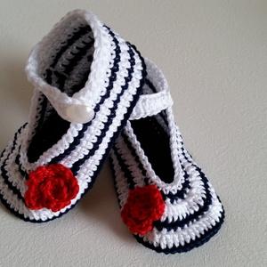 Horgolt baba cipő, Gyerek & játék, Baba-mama kellék, Táska, Divat & Szépség, Ruha, divat, Hajbavaló, Horgolás, Horgolt baba cipő .100% pamut fonalból készűlt.Alkalmas kocsi cipőnek,fotózáshóz,minden napra,vagy e..., Meska