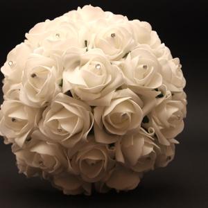 Fehér swarovski-s menyasszonyi csokor kitűzővel (Plumeriadekor) - Meska.hu