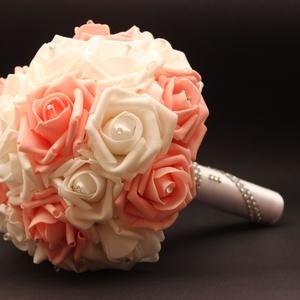 Esküvői szett, Esküvő, Esküvői csokor, Virágkötés, Az esküvői szett a következőkből áll:\n\n1 db menyasszonyi csokor\n1 db vőlegény kitűző\n1 db kardísz\n1 ..., Meska