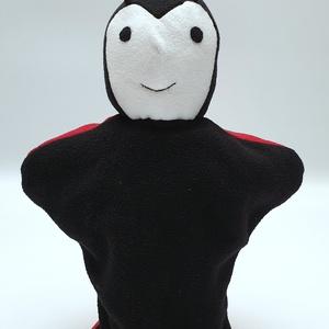 Katica kesztyűbáb, Gyerek & játék, Játék, Báb, Baba játék, Játékfigura, Baba-és bábkészítés, Varrás, Bolyhosodásmentes micropolárból, applikációs technikával készítettem ezt a bábot. Minden alkatrészt ..., Meska