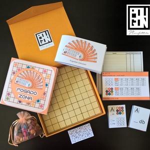 Fogadózóna - Tabula rasa 9×9, Társasjáték & Puzzle, Játék & Gyerek, Gyurma, Fotó, grafika, rajz, illusztráció, Játékleírás\n\nA játék elején – a játékban szereplő 9 szín és a tábla 9 zónájának kombinációjából adód..., Meska