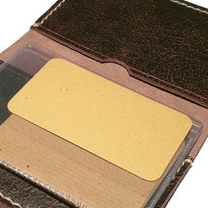 Forgalmi bőr tok - Bőr engedély tok - Bőr forgalmi tartó - Bőr enedély tartó - Marsabit - Polokov Leather, Férfiaknak, Táska, Táska, Divat & Szépség, Pénztárca, tok, tárca, Naptár, jegyzet, tok, Varrás, Bőrművesség, * Anyaga: rusztikus barna marhabőr\n\n* 2 bőr rekesz\n\n* Kivehető, lapozható műanyag tok (forgalmi enge..., Meska