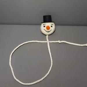 Hóember könyvjelző, Naptár, képeslap, album, Otthon & lakás, Könyvjelző, Nemezelés, Itt a tél, reméljük sok hó esik idén és sok-sok hóembert lehet készíteni.\nÉn most egy nemezelt hóemb..., Meska