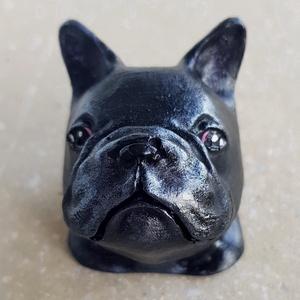Francia bulldog, Férfiaknak, Otthon & lakás, Dekoráció, Kerámia, Festett tárgyak, Kerámiaporból öntött,festett, lakkozott kutyus fejecske.\nA fajta kedvelőinek igazán egyedi ajándék l..., Meska