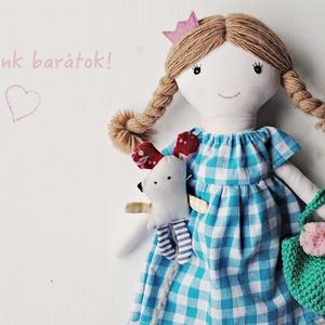 Rebeka Baba, Textilbaba, játékbaba, rongybaba , Gyerek & játék, Játék, Baba, babaház, Varrás, Baba-és bábkészítés, Rebeka 36 cm magas öltöztethető textilbaba. Arca részben kézzel hímzett, részben festett, haja kézi ..., Meska