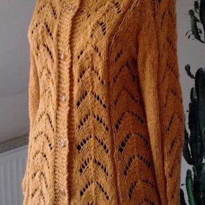 Mustár színű kézi kötésű gyapjú kardigán  (pongikata) - Meska.hu