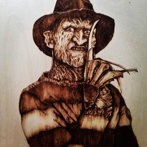 Freddy Krueger pirográf kép , Kép & Falikép, Dekoráció, Otthon & Lakás, Gravírozás, pirográfia, 30*30-as pirográf technikával készült nyírfa lemezre égetett kép , Meska