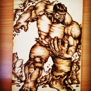Hulk pirográf kép , Kép & Falikép, Dekoráció, Otthon & Lakás, Gravírozás, pirográfia, 23*16-os méretű nyírfa lapra égetett kép Marvel rajongók számára , Meska