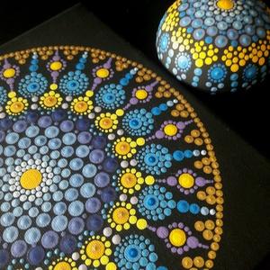Pontozott mandala - kék-lila-sárga, mandalakővel, Otthon & Lakás, Dekoráció, Mandala, Festészet, Egyedi és megismételhetetlen dekoráció lesz az otthonodban, ha beleszeretsz.\nFeszített vászonra kész..., Meska
