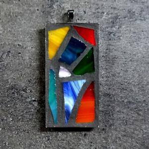 Mozaik medál  - színes  INGYEN POSTA!, Medálos nyaklánc, Nyaklánc, Ékszer, Mozaik, Ékszerkészítés, Kézzel készült, minimalista stílusú mozaik medál színes üvegmozaikkal, fekete velúr zsinórral vagy g..., Meska