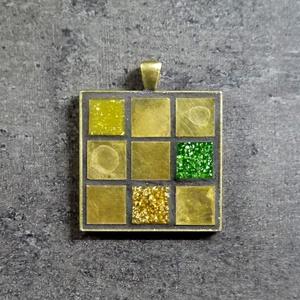Mozaik medál - réz négyzet INGYEN POSTA!, Medál, Nyaklánc, Ékszer, Ékszerkészítés, Mozaik, Kézzel készült mozaik medál, gyönyörűen oxidált réz mozaikokból.\n\nVálaszthatsz a medálhoz fekete vag..., Meska