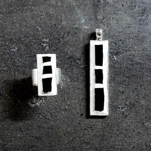 Rekredenc - fehér-fekete ékszerszett, medál + gyűrű INGYEN POSTA, Ékszerszett, Ékszer, Mozaik, Ékszerkészítés, Fehér fekete minimál stílusú mozaik medál és gyűrű, ezüst színű rozsdamentes acél alapon.  Kérhető e..., Meska