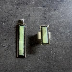 Rekredenc - zöld-fekete ékszerszett, medál + gyűrű INGYEN POSTA, Ékszerszett, Ékszer, Mozaik, Ékszerkészítés, Zöld fekete minimál stílusú mozaik medál és gyűrű, ezüst színű rozsdamentes acél alapon.  Kérhető ez..., Meska