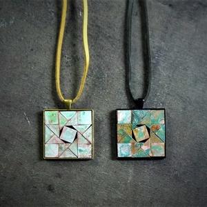 Patinázott rézmozaik medál - csillag/négyzet INGYEN POSTA!, Ékszer, Nyaklánc, Medálos nyaklánc, Ékszerkészítés, Mozaik, Kézzel készült mozaik medál, gyönyörűen patinázott réz mozaikokból, csillag alakot formázó mintával...., Meska