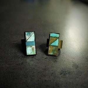 Patinázott rézmozaik gyűrű (2,5x1 cm) - INGYEN POSTA, Ékszer, Gyűrű, Ékszerkészítés, Mozaik, Patinázott rézmozaikból és üvegmozaikbók kézzel készült gyűrű (2,5x1 cm)\n\n- fekete tartóval\n- bronz ..., Meska