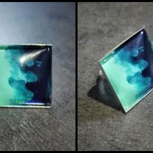 """Festettüveg gyűrű \""""Hullám\"""" (2,5x2,5 cm) - INGYEN POSTA, Ékszer, Gyűrű, Üveglencsés gyűrű, Ékszerkészítés, Festett tárgyak, Kézzel készült, festett üveg gyűrű  (2,5x2,5 cm)\n\nMás színösszeállításban is kérhető. , Meska"""