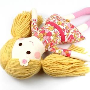 Lány Baba Rongybaba Játékbaba  Textiljáték Lotti, Játék, Gyerek & játék, Baba játék, Baba, babaház, Plüssállat, rongyjáték, Újrahasznosított alapanyagból készült termékek, Varrás, Boltomban mindent természetes eredetű, részben pedig újrahasznosított vagy organikus alapanyagokból ..., Meska