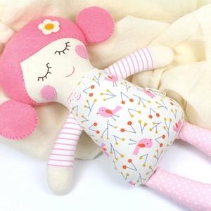 Kislány Baba,  Játékbaba, Textilbaba, Rongybaba, Textil Játék- Rózsaszín Arany Kismadaras Bella, Játék, Gyerek & játék, Baba játék, Baba, babaház, Plüssállat, rongyjáték, Újrahasznosított alapanyagból készült termékek, Varrás, Bella baba 100% termeszetes eredetű alapanyagokból készült. \n\nEz a szépséges kislány  baba kedves ba..., Meska