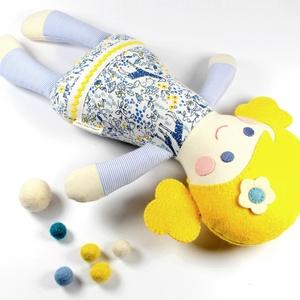 Kislány Baba,  Játékbaba, Textilbaba, Rongybaba, Textil Játék- Rózsaszín Kék Virágos Bella, Baba, Baba & babaház, Játék & Gyerek, Újrahasznosított alapanyagból készült termékek, Varrás, Bella baba 100% termeszetes eredetű alapanyagokból készült. \n\nEz a szépséges kislány  baba kedves ba..., Meska