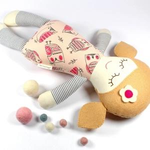 Kislány Baba,  Játékbaba, Textilbaba, Rongybaba, Textil Játék- Rózsaszín Kék Virágos Bella, Játék, Gyerek & játék, Baba játék, Baba, babaház, Plüssállat, rongyjáték, Újrahasznosított alapanyagból készült termékek, Varrás, Bella baba 100% termeszetes eredetű alapanyagokból készült. \n\nEz a szépséges kislány  baba kedves ba..., Meska