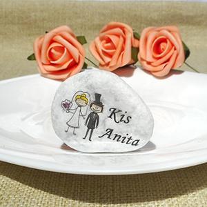 Köszönetkavics- köszönőajándék és ültetőkártya egyben, Köszönőajándék, Emlék & Ajándék, Esküvő, Papírművészet, Mindenmás, Különleges, kézzel készített esküvői köszönetajándék és ültető egyben. Kiváló minőségű fehér márvány..., Meska