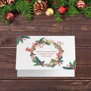 Névreszóló karácsonyi képeslap, borítékkal, mézeskalácsos koszorús adventi üdvözlőlap, újévi köszöntés, Otthon & Lakás, Karácsony & Mikulás, Karácsonyi képeslap, Papírművészet, Fotó, grafika, rajz, illusztráció, Nagyon szép, igényes karácsonyi és újévi képeslap, felfelé nyithatós 11X15 cm-es méretben, hozzáillő..., Meska