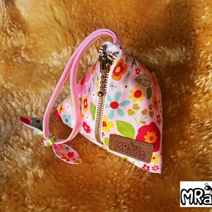 MRant babacumi tároló a nagy tavaszi sétákhoz..., Gyerek & játék, NoWaste, Textilek, Textil tároló, Baba-mama kellék, Varrás, Ez a dekoratív cumitartó tiszta pamutból készült a környezettudatosság jegyében.\nDe, használható bár..., Meska
