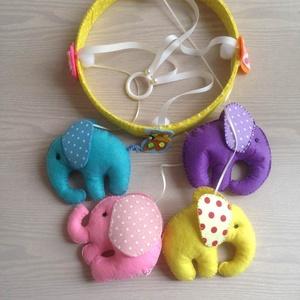 Elefántos forgó, Gyerek & játék, Gyerekszoba, Mobildísz, függődísz, Filcből kézzel varrt négy kis elefánt, picit kitömve. Szalaggal felfüggesztve egy szintén filccel be..., Meska