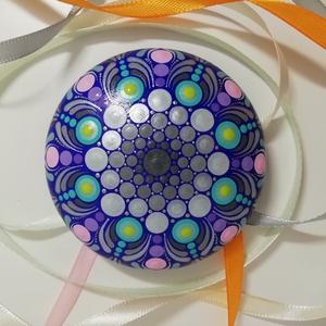 Ezüst-türkiz-lila színű mandalakő, Otthon & lakás, Dekoráció, Lakberendezés, Asztaldísz, Festett tárgyak, Festészet, Ez a mandalakő modellgipszből készült, laposgömb alakú, 8 cm átmérőjű és egyedi, gyönyörű színekben ..., Meska